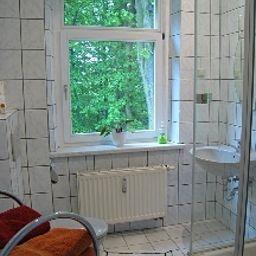 Koenigswald_Hotel_Pension-Dresden-Bathroom-408000.jpg