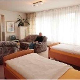 garni_Hotel-West-Sangerhausen-Dreibettzimmer-1-408121.jpg