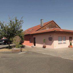 Heidigs_Hotelchen-Cadolzburg-Exterior_view-1-408383.jpg
