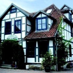 Artischocke_Landhaus-Hemmingen-Exterior_view-3-408504.jpg