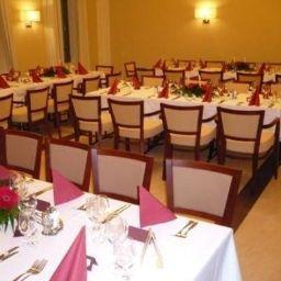 Erzsebet_Kiralyne-Goedoello-Restaurant-1-408582.jpg