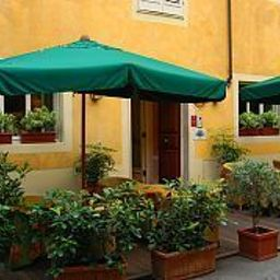 San_Martino-Lucca-Exterior_view-408756.jpg