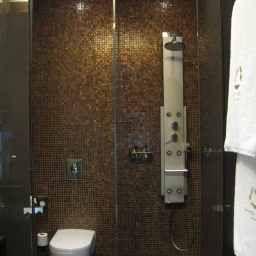 Eurostars_Madrid_Tower-Madrid-Bathroom-1-409196.jpg