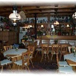 Zum_Kauzen-Ochsenfurt-Hotel-Bar-409243.jpg