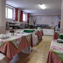 Roedelheimer_Hof_Gaestehaus-Frankfurt_am_Main-Breakfast_room-4-409408.jpg