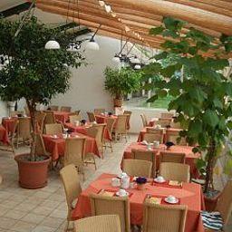 Adler_Gasthof-Nonnenhorn-Restaurantbreakfast_room-410377.jpg