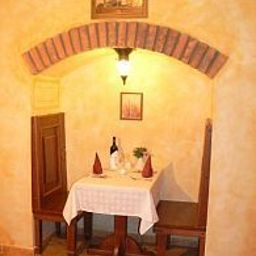 Dar-Prague-Restaurantbreakfast_room-411441.jpg