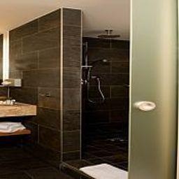 Bathroom Eurostars Embassy