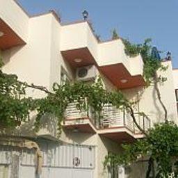 Vista esterna Rebetika Boutiqehotel