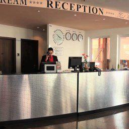 Grand_Hotel_Dream_Main_City_Center-Frankfurt_am_Main-Reception-414070.jpg