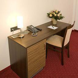 Grand_Hotel_Dream_Main_City_Center-Frankfurt_am_Main-Room-4-414070.jpg