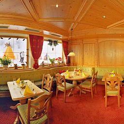 Waldhof-Scheffau_am_Wilden_Kaiser-Restaurant-414341.jpg