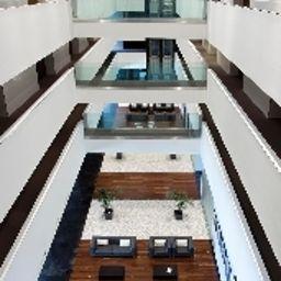 Hall Diagonal Plaza