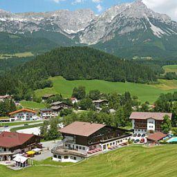 Waldhof-Scheffau_am_Wilden_Kaiser-Exterior_view-414341.jpg