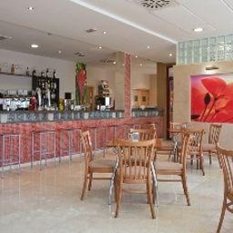 Tocina_Business-Albolote-Hotel-Bar-415358.jpg