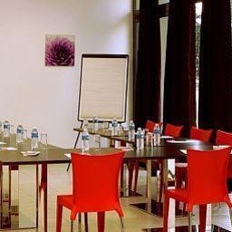 Aparthotel_Adagio_Access_Avignon-Avignon-Conference_room-418402.jpg