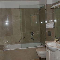 Verdi-Munich-Bathroom-1-418590.jpg