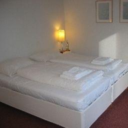 An_der_Marienkirche-Luebeck-Room-419697.jpg
