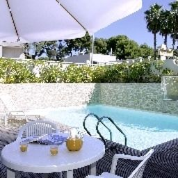 AppartCity_Antibes_Residence_Hoteliere-Antibes-Pool-2-419829.jpg
