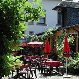 Sankt_Maximilian-Bernkastel-Kues-Garden-420528.jpg