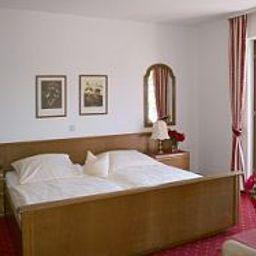 Sankt_Maximilian-Bernkastel-Kues-Room-420528.jpg