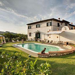 Swimming pool Relais Villa Sasso