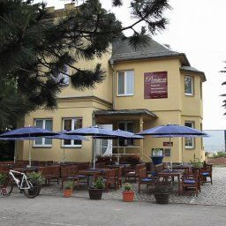 Pension_Eiscafe_am_Weideweg-Chemnitz-Exterior_view-1-420778.jpg
