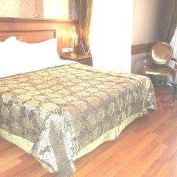 Ferman-Istanbul-Room-6-420914.jpg