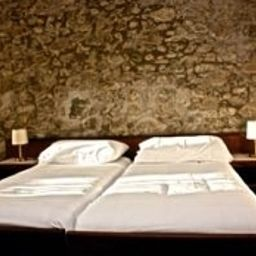 Galions_Pub_Hotel-Cheseaux-sur-Lausanne-Standard_room-3-421041.jpg