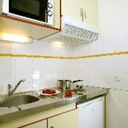 Appart_City_Le_Havre_Residence_Hoteliere-Le_Havre-Kitchen_in_room-421042.jpg