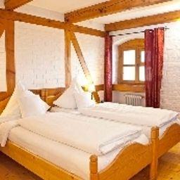 Viktoriaquelle-Fuerstenzell-Double_room_standard-5-421073.jpg