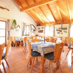 Rosenhof-Aidenbach-Restaurantbreakfast_room-1-421153.jpg