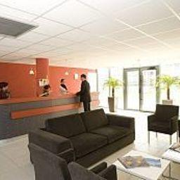 AppartHotel_Odalys_Bioparc-Lyon-Reception-1-421354.jpg