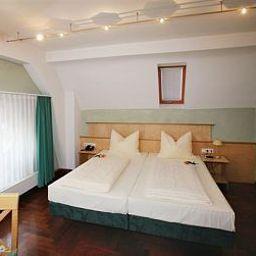 Hoepfner_Burghof-Karlsruhe-Room-7-421461.jpg