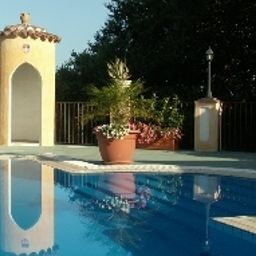 Swimming pool La Colombaia