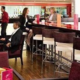 Bar de l'hôtel Courtyard London Gatwick Airport