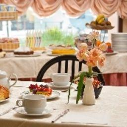 Buffet prima colazione Villa Luigia