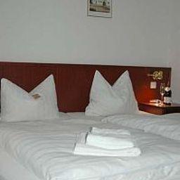 Room Weisse Elster