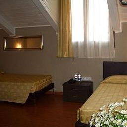 Small_Hotel_Royal-Padua-Room-1-423765.jpg