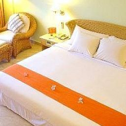 HARRIS_Resort_Waterfront_-_Batam-Batam-Room-2-424156.jpg