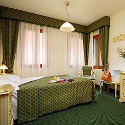 Pellegrino_Commercio-Venice-Room-3-424463.jpg