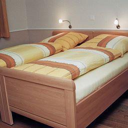 Franke-Ahaus-Standardzimmer-424506.jpg