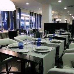 Axor_Barajas-Madrid-Restaurantbreakfast_room-424586.jpg