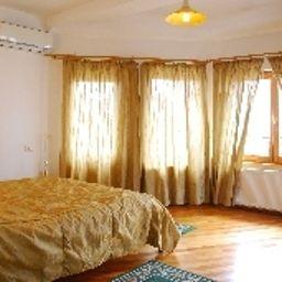 Casa_Cranta-Brasov-Room-10-430193.jpg