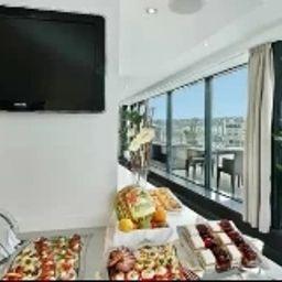Austria_Trend_Hotel_Bratislava-Bratislava-Hotel_outdoor_area-430826.jpg