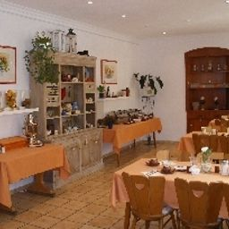 Boutiquehotel_Goldene_Rose-Rothenburg-Buffet-3-431615.jpg