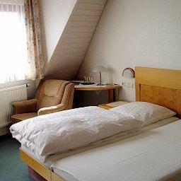 Waldner_Gaestehaus-Alfdorf-Standardzimmer-1-432399.jpg