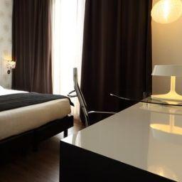 Habitación Holiday Inn GENOA CITY