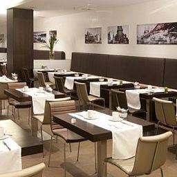 Eurostars_Budapest_Center-Budapest-Breakfast_room-432701.jpg