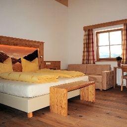 Hochfilzer_Genusslandhotel-Soell-Standard_room-1-433900.jpg